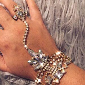 Jewelry - 💎Ring-Bracelet Jeweled hand chain ✨